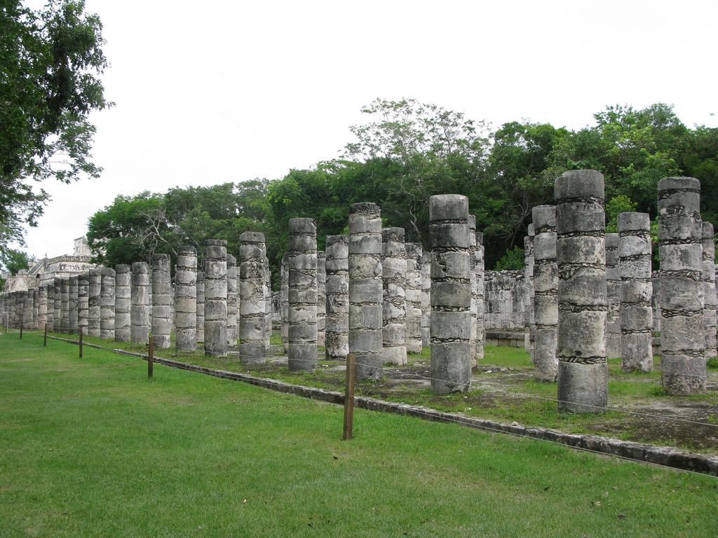 Колонны в Чичен ице