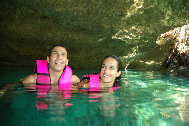 Подземная река в Шкарете. Рио Секрето. Рио Прадайз. Река Мексика