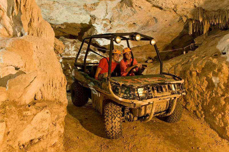 Машина амфибия в пещерах Эксплора. Xplor