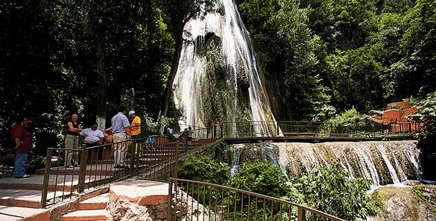 Водопад Кола де Кабайо. Монтеррей