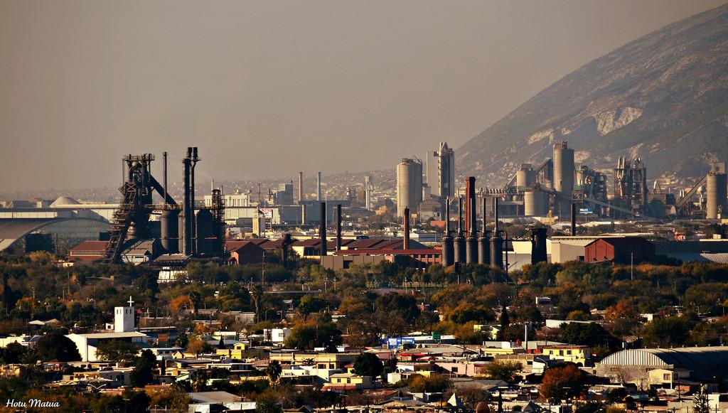 Индустриальный кластер в Монтеррейе. Мексика промышленность