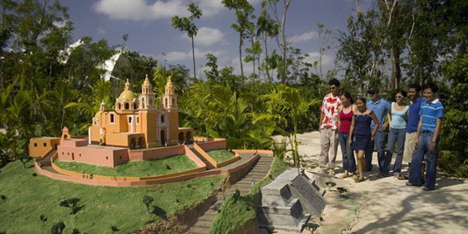 Мини-сити Дискавер Мексико на острове Косумель