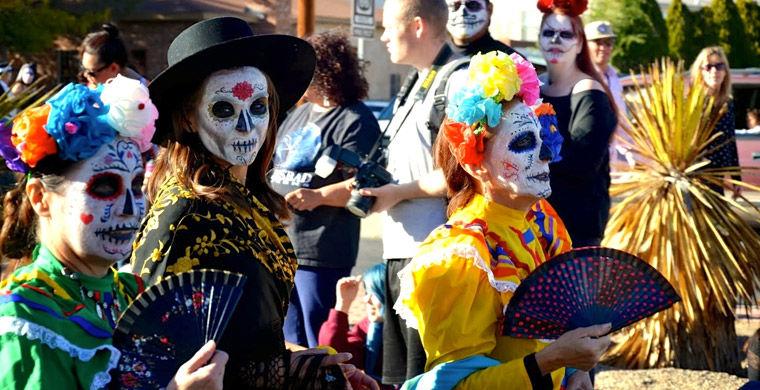 Парад мертвых в день смерти в Мексике