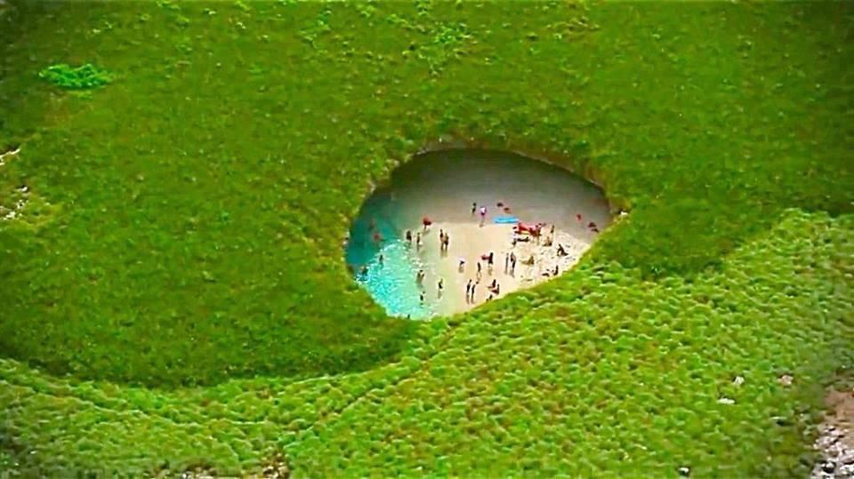 Пляж любви с высоты птичьего полета в Мексике