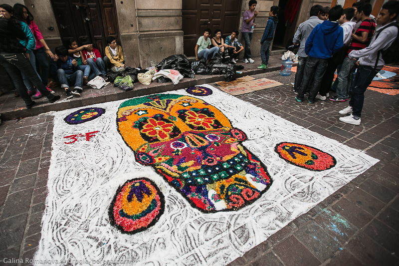 Рисунки на асфальте ко дню мертвых