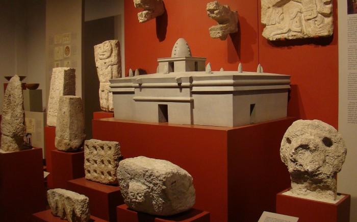 Экспанаты музея острова Косумель. История майя на острове Косумель