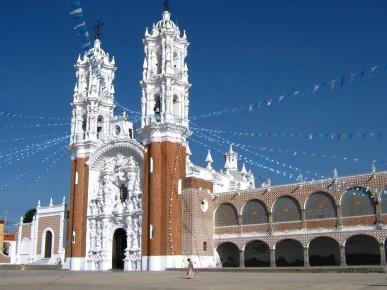 В Тласкале в колониальный период построена Базилика Богоматери Окотлан. Строение построено в стиле барокко