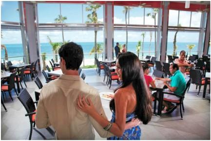 Приглашаем вас на завтрак в отель Риу Палас Пенинсула