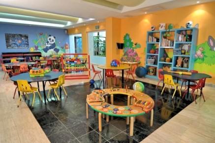 Прекрасно оформленная детская комната в миниклубе отеля Grand Oasis Palm имеет множество игрушек и не даст заскучать вашим детям.