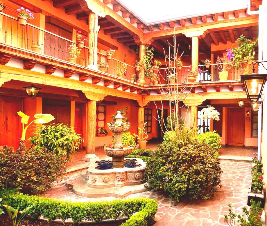 Отель Мансион Итурбе в Пацкуаро