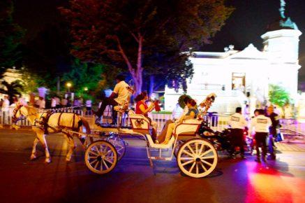 Вечерняя прогулка в карете по городу Мерида, Мексика