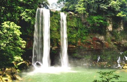 Водопад Мисольха один из достопримечательностей штата Чиапас