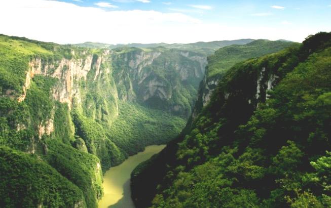 Каньон Сумидеро с высоты птичьего полета