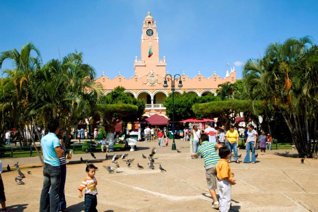 Столица штата Юкатан - самый колониальный город Мерида.