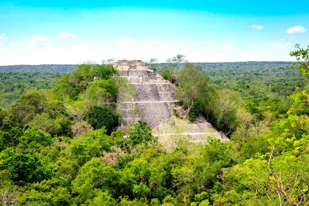 Пирамида I самого большого по площади города Калакмуль