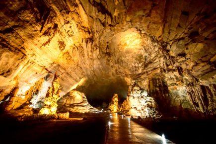 Гроты Какаумильпа самая большая пещера Мексика