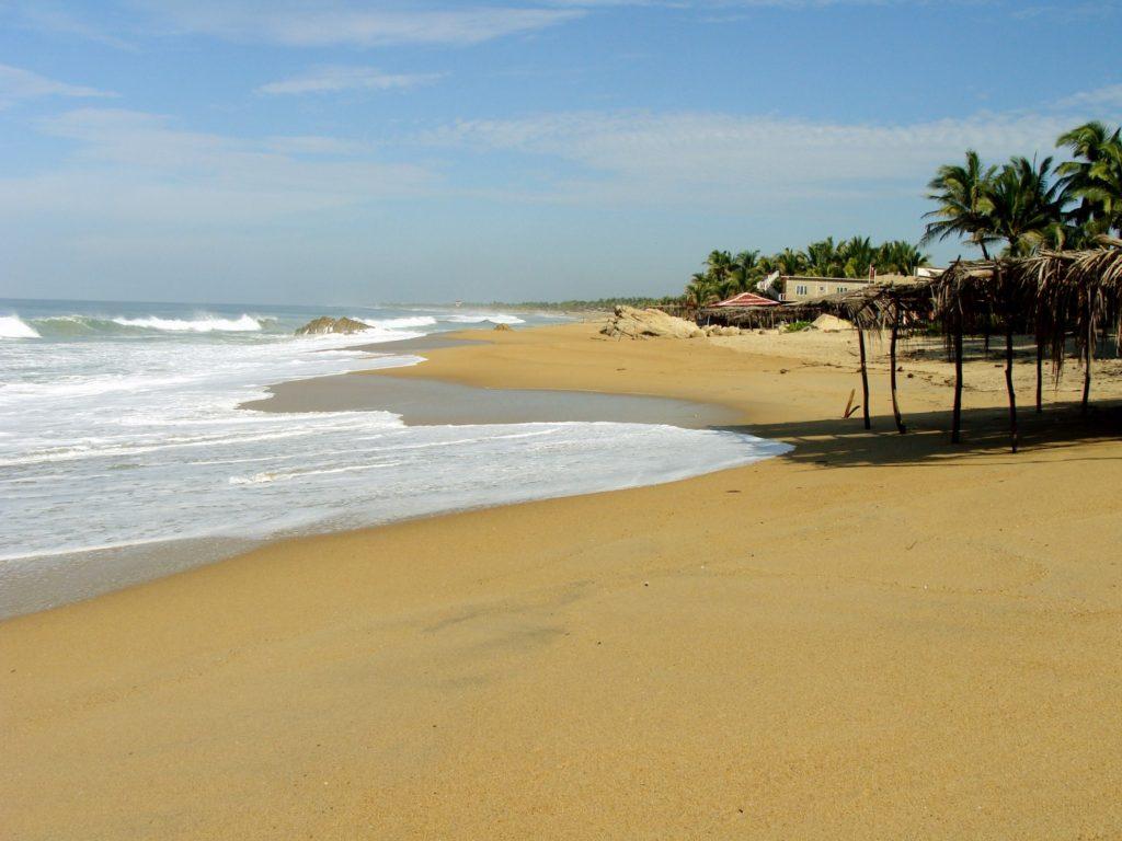 Чистейшие и безлюдные пляжи деревушки Вентура, Мексика