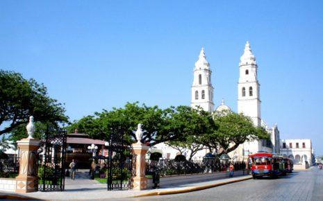 Catedral de Campeche y Parque Principal