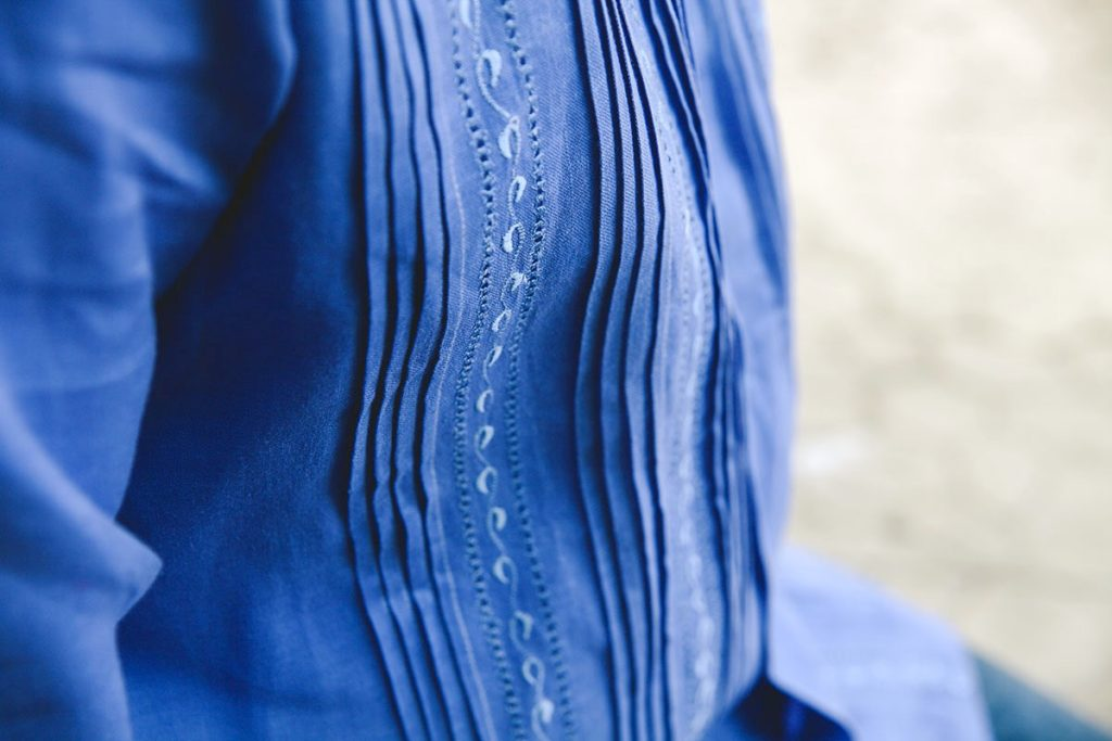 Гуайаявера - мексиканская мужская рубашка.