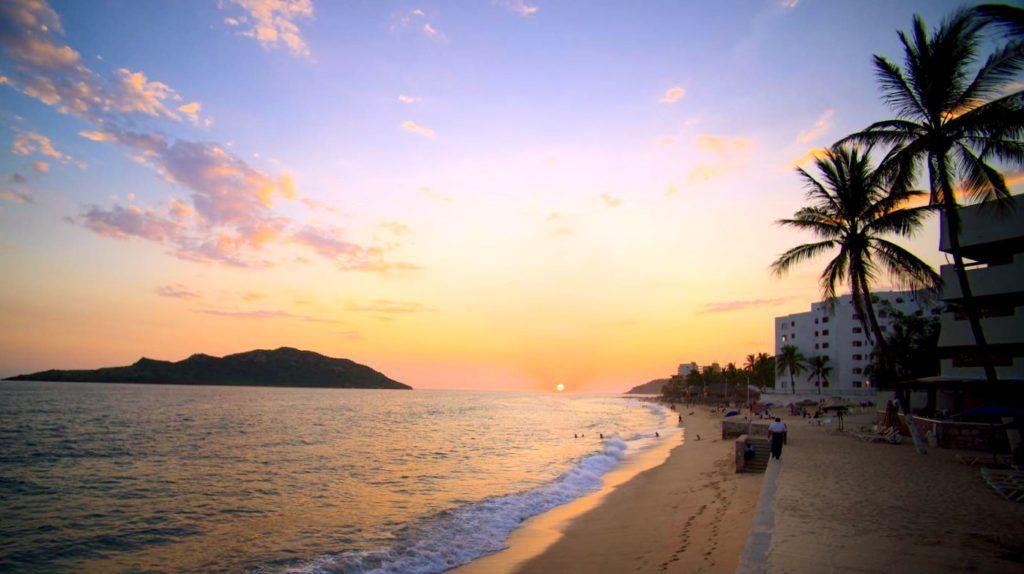 Чистейший пляж Лас Гавиотас, обладатель голубого флага, Масатлан, Мексика