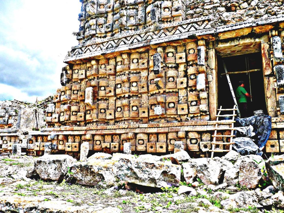 Архитектурный стиль Пуук, применяемый метод мозаики кодз-пооп, индейский город Кабах, Мексика
