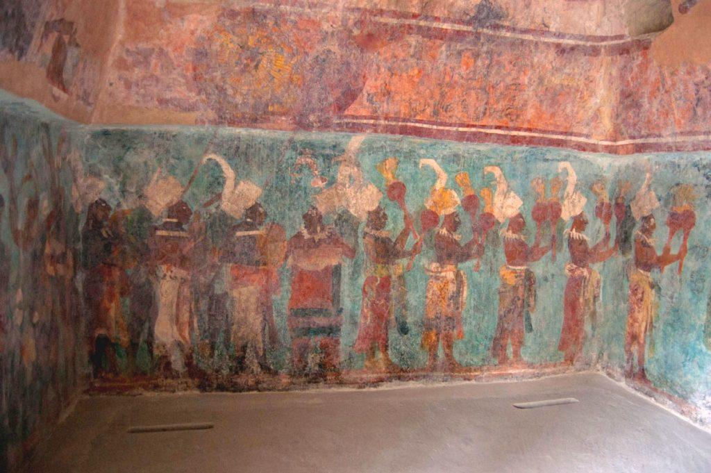 Настенные мурали первого Храма Фресок города Бонампак