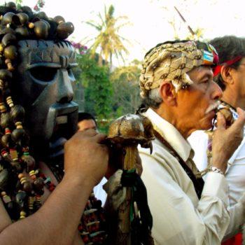 Шаманы предки индейцев в городке Катемако, штат Веракрус