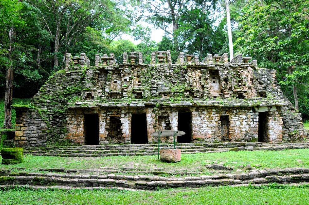 Архитектура майяского города Яшчилан - изумрудного города, Мексика