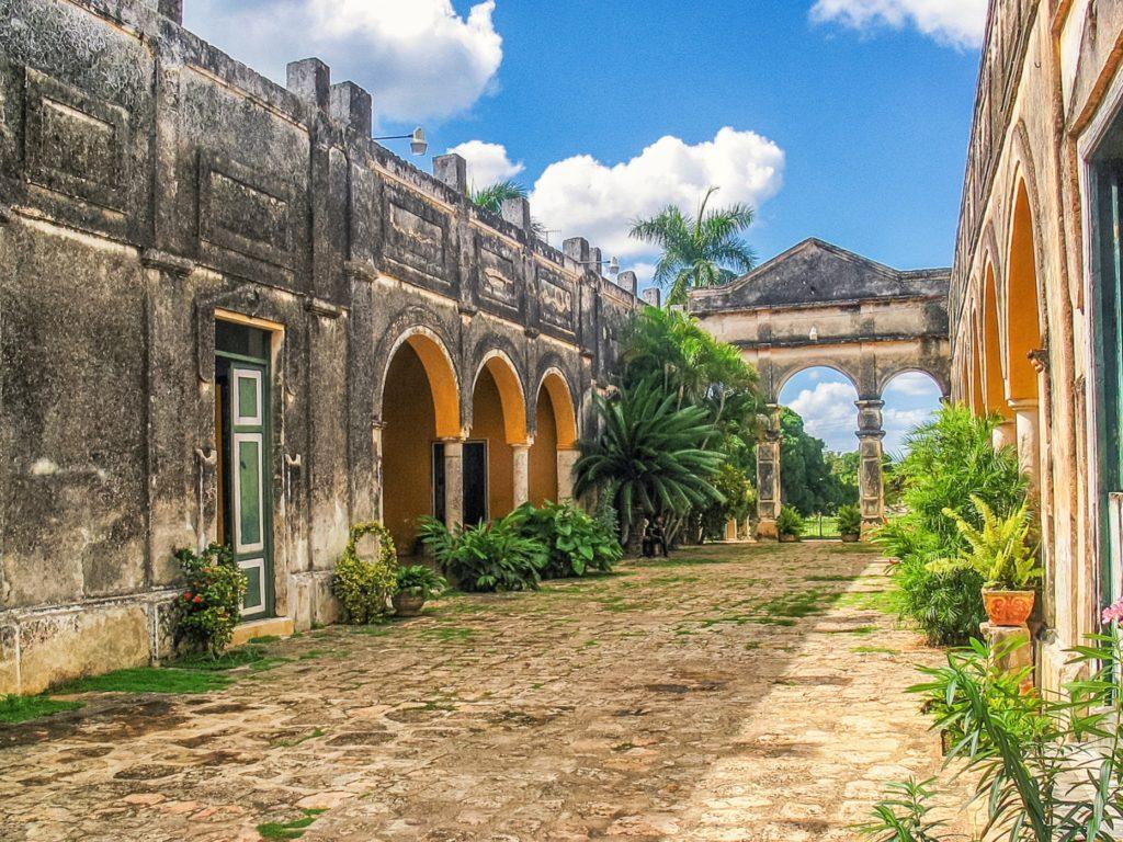 Яшкопойл - ранчо двадцатого века. Мексика Асьенда