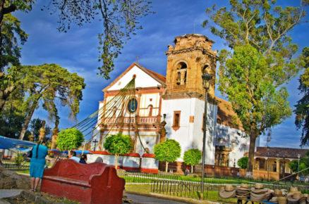 Главная Иглесия деревушки Патцкуаро, штат Мичоакан
