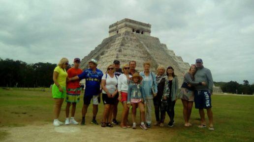 Группой к пирамидам в Чичен ИЦе
