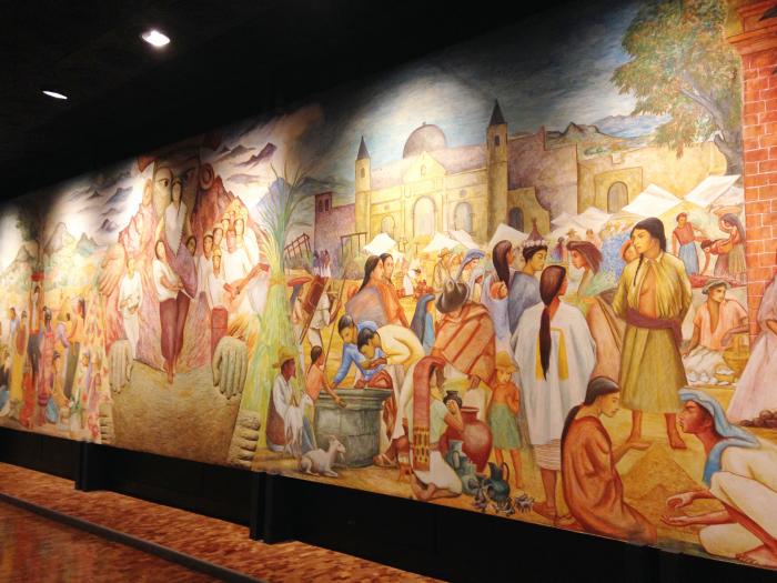 Жизнь индейцев в настенных фресках в Музее Антропологии