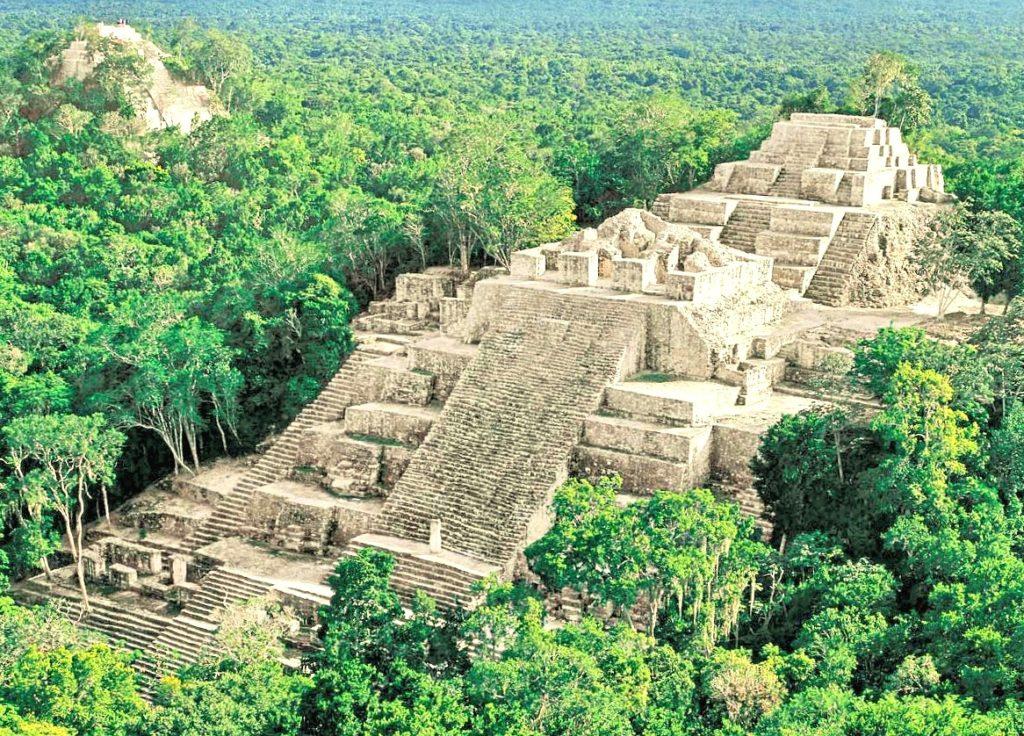 Масштабная пирамида в городе Калакмуль полуостров Юкатан