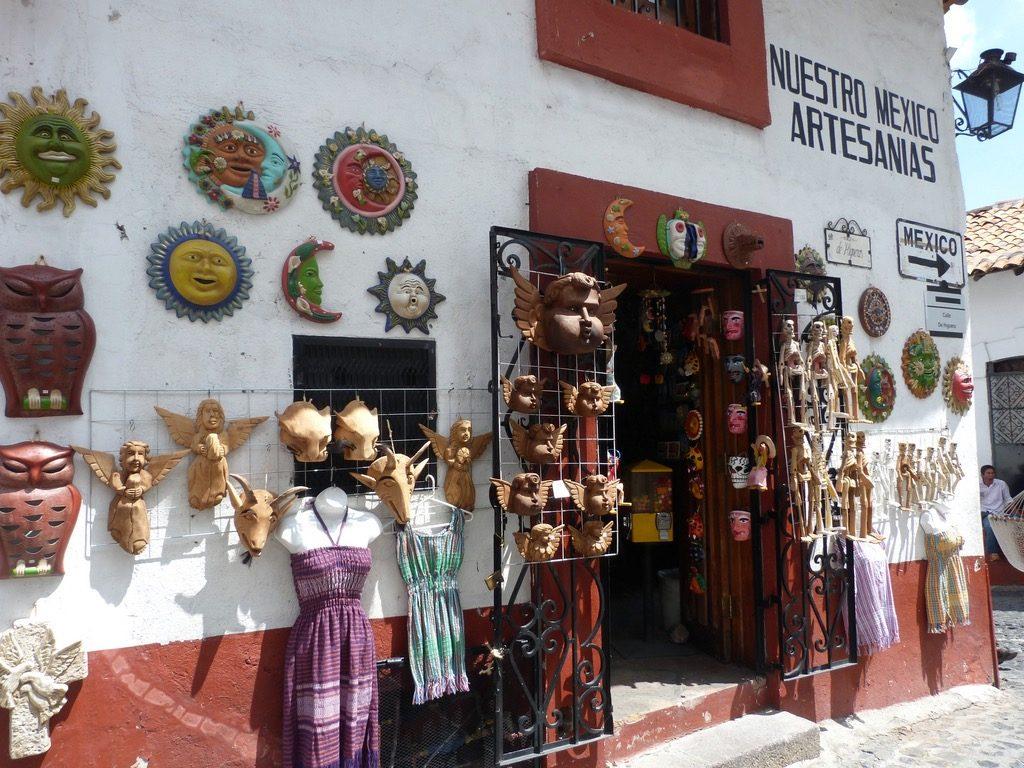 Сувенирная лавка в Таско