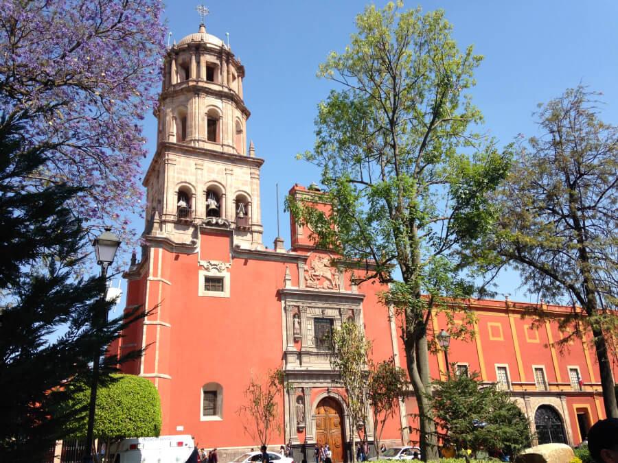 Храм Святого Франциска, находящийся в историческом центре города Керетаро