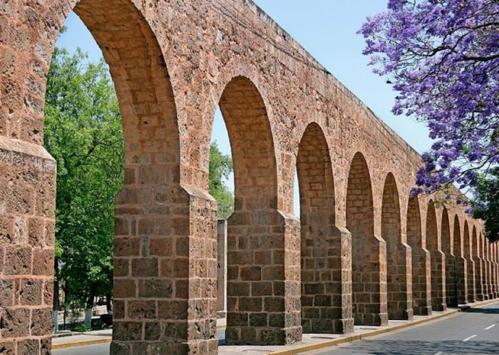Акведук города Морелия
