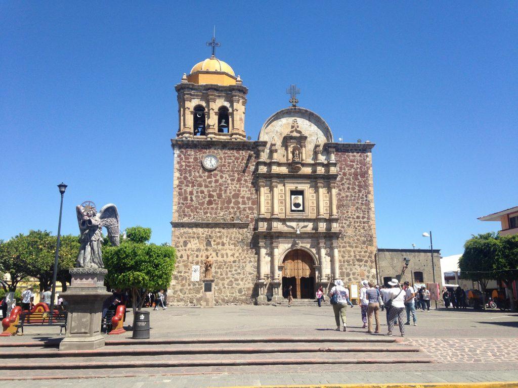 Кафедральный собор на главной площади города Текила
