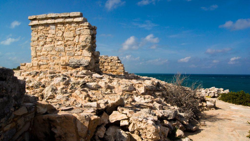 Руины храма, посвященного богине Луны Иш-Чель на Исла Мухерес