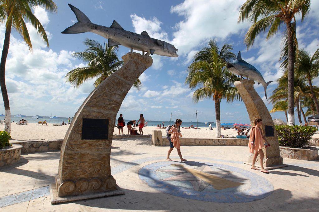 Белоснежные пляжи острова женщин это его главная достопримечательность!