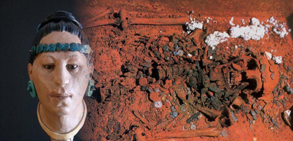Красная королева, найденная в Паленке, штат Чьяпас.