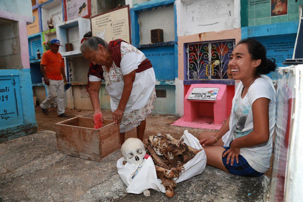 Древний майянский ритуал извлекать кости умерших, промывать их и восстанавливать лица – Ханал Пишан.