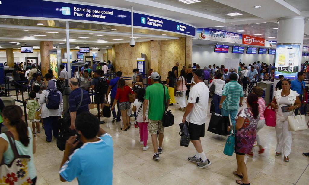 Досмотр в аэропорту. Мексика