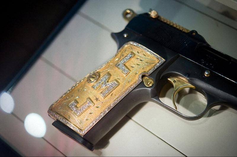 Пистолет наркобарона в Мексике