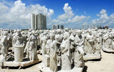 Скульптуры для музей подводных фигур в Канкуне