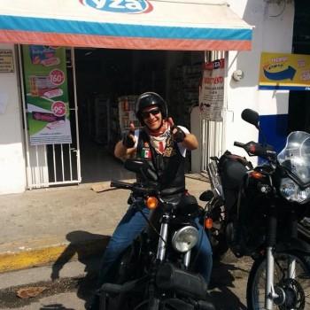 Дима. Тур на мото. Мексика с гидом на мотоцикле