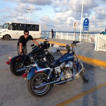 Пляж Дельфинов. Мотоциклы в Мексике