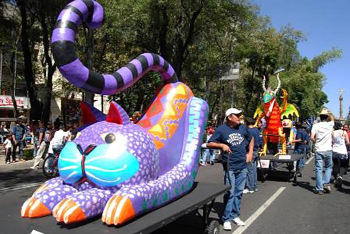 Большие алебрихе на параде