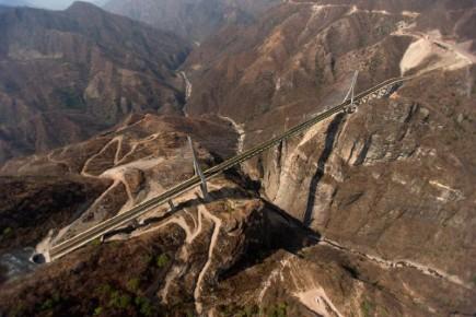 Мост по пути из Дуранго в Масатлан в горах Сьера Мадре