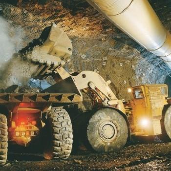 Погрузка руды в самосвал. Мексика
