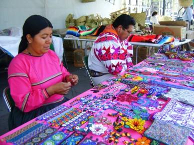 Традиционные индейские сувениры. Мексика